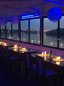 restoran jahting klub kej brod 2 docek srpske nove godine